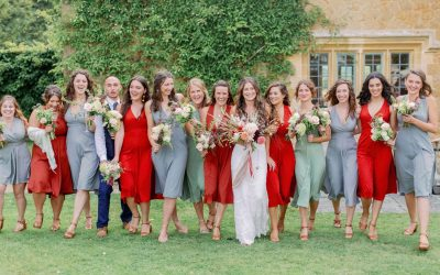 Bridesmaids.  6 fantastic tips how to choose them.