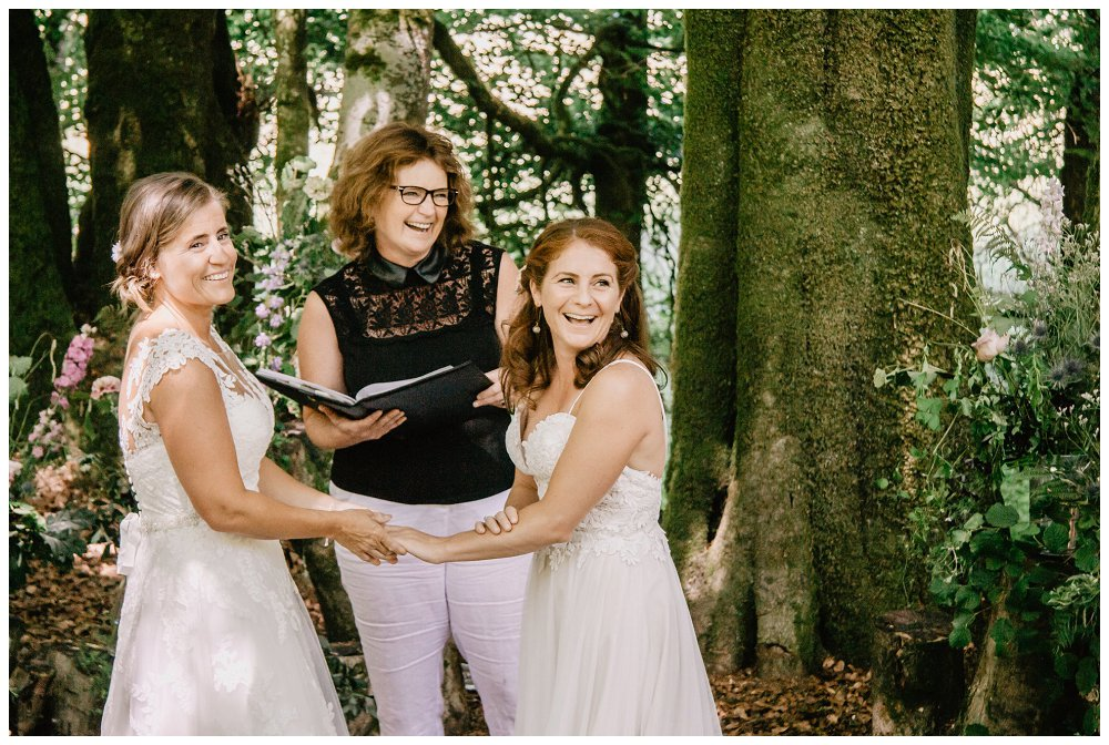 10 reasons why to book a wedding celebrant