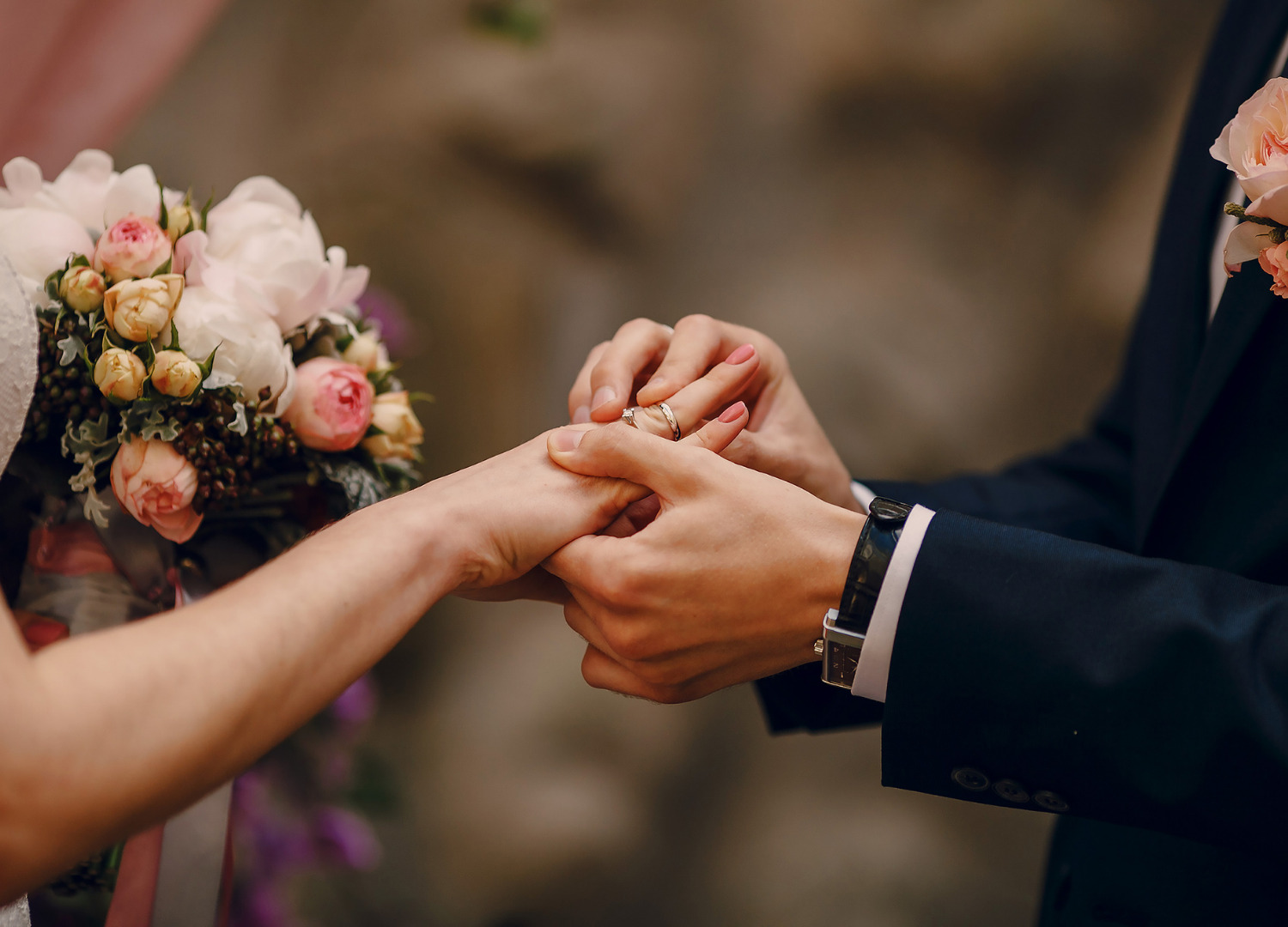 How symbolism and traditional customs are used in modern weddings