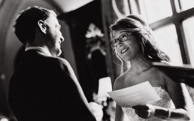 8 great top tips on writing wedding vows