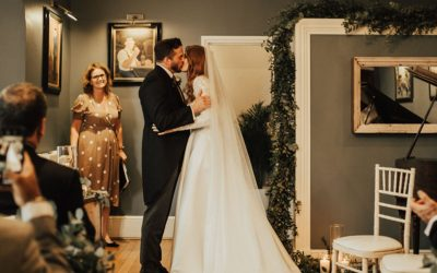 5 inspiring real wedding ceremonies.  How to create impact with a wedding ceremony.